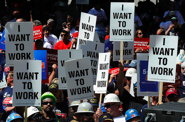Workers protesting.