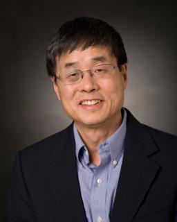 A headshot of Qiming Zhang.