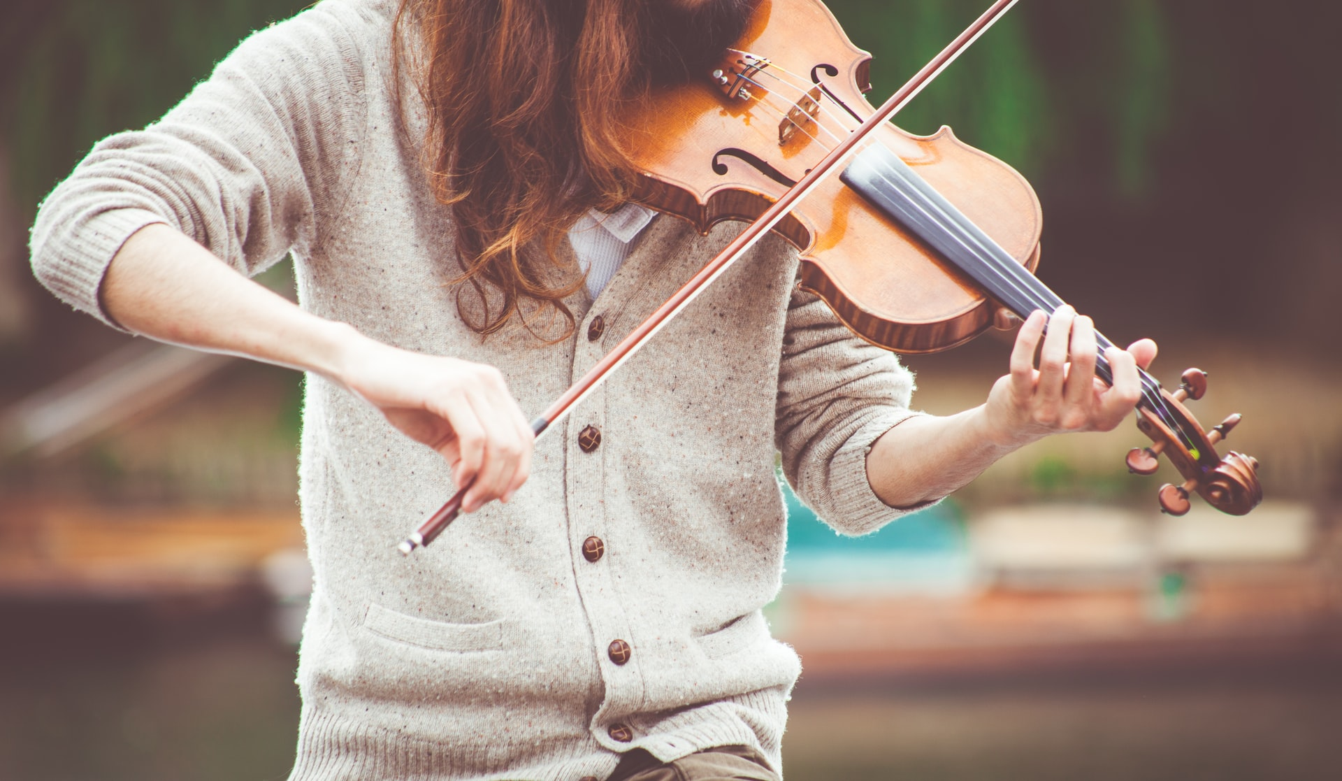 Photo of a student playing violin